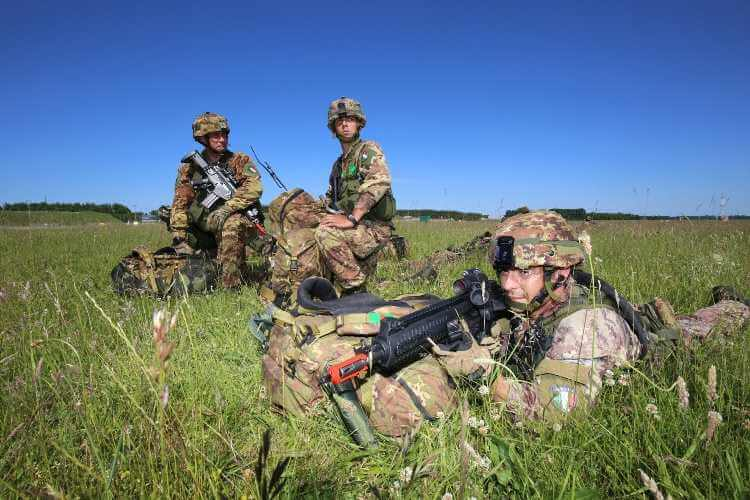 I Paracadutisti Italiani impegnati nella Swift Response 2016