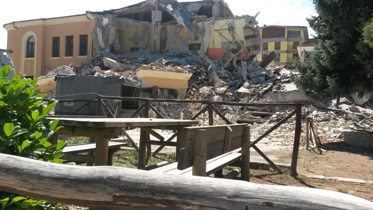 Foto scuola Amatrice crollata