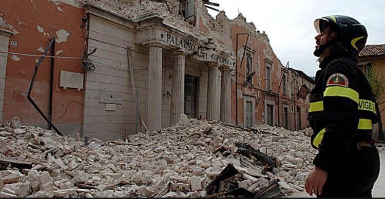 Palazzo del Governo crollato a L'Aquila