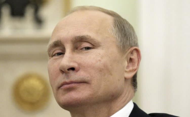 Vladimir Putin sfodera l'arma segreta della Russia