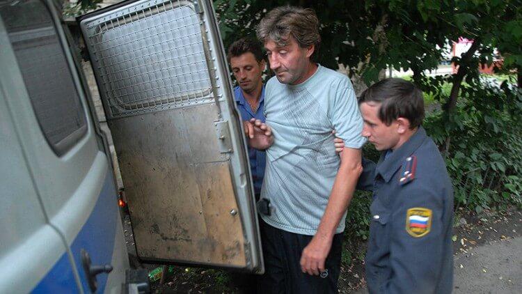 Ubriaco arrestato dalla polizia russa drunk tanks russia 2018