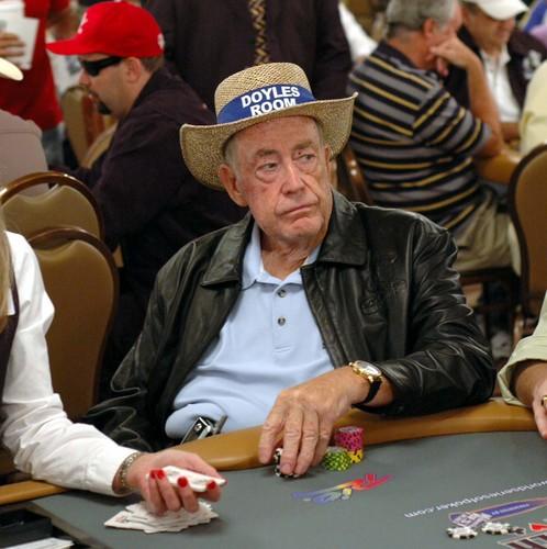 poker legend. la storia di doyle brunson da amarillo slim a gus hansen, dal super system alle world series of poker.