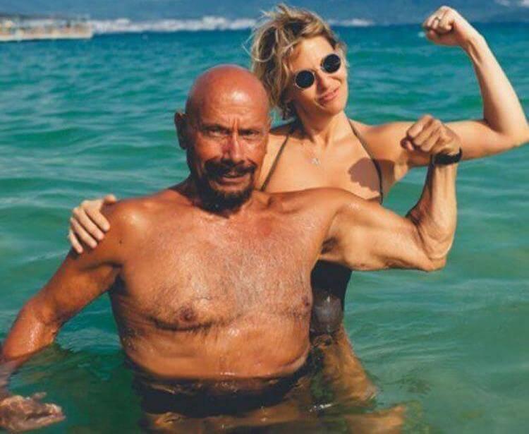 Kazim Gurbuz mostra i muscoli