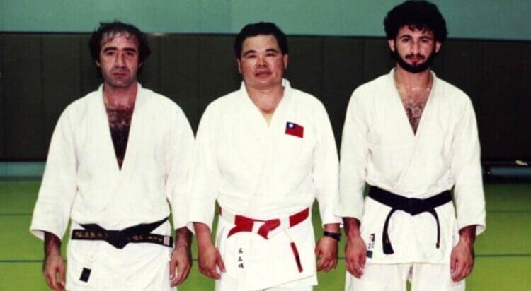 Osama bin Laden (a destra) quando praticava judo.