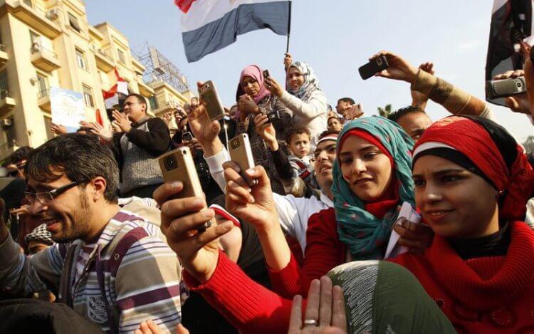 Primavera araba in Egitto, fondamentale il ruolo degli smartphone