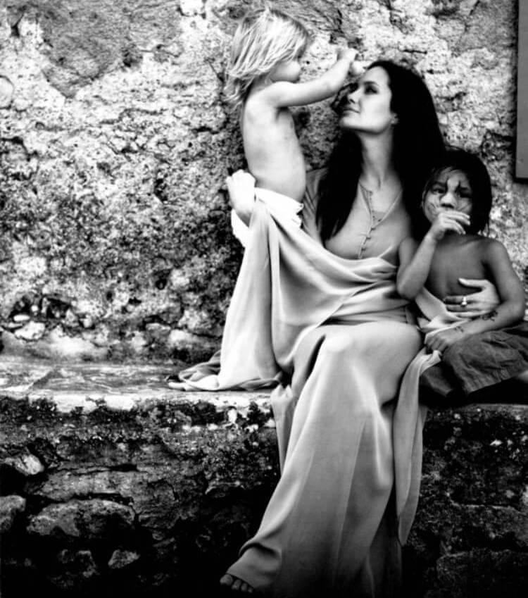 angelina jolie fotografata da brad pitt 3