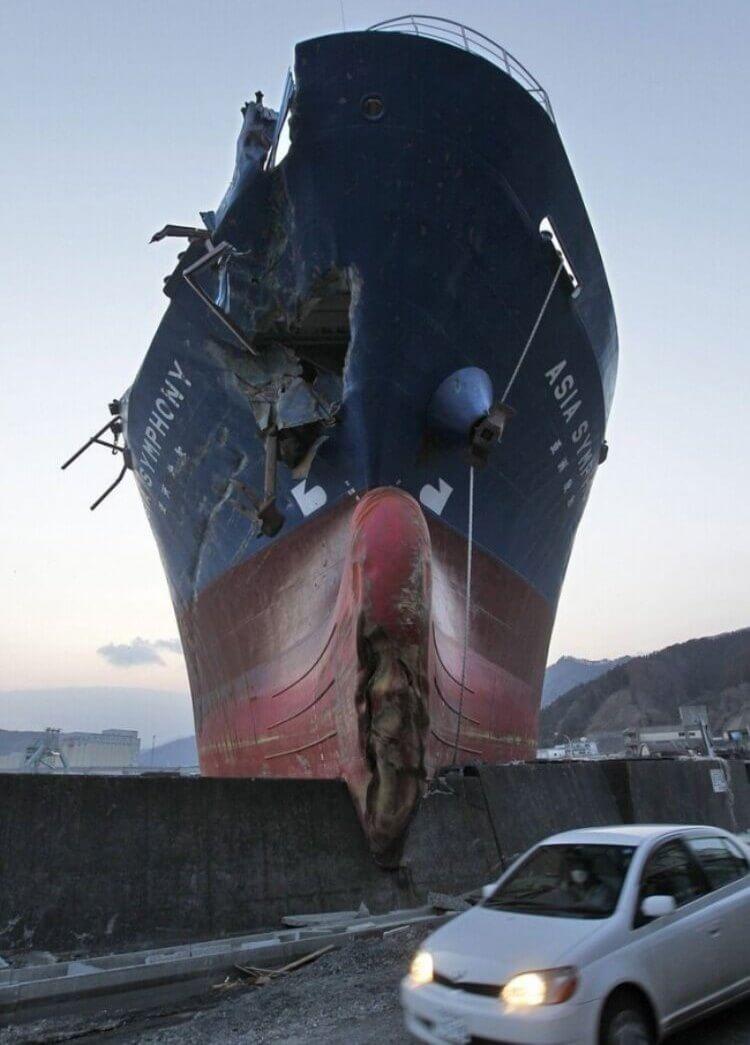 Capitano, glielo avevo detto che sarebbe stato molto difficile passare di lì...