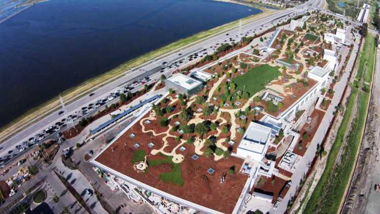Una veduta aerea del quartier generale di Facebook a Palo Alto login accesso diretto