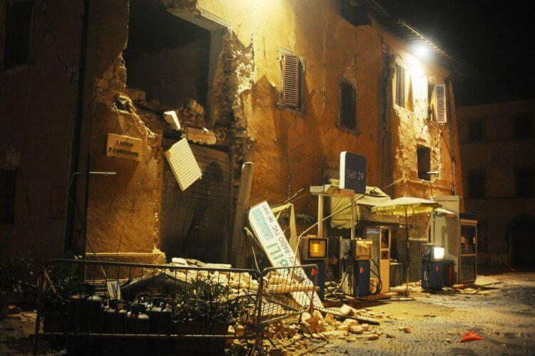 Visso, Macerata (lapresse) terremoto 26 ottobre 2016