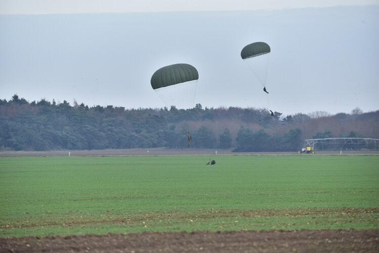 Fase d'atterraggio diavoli gialli folgore