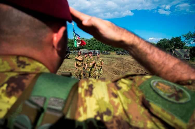 I Diavoli gialli della Folgore sono uno dei reparti di eccellenza dell'Esercito Italiano