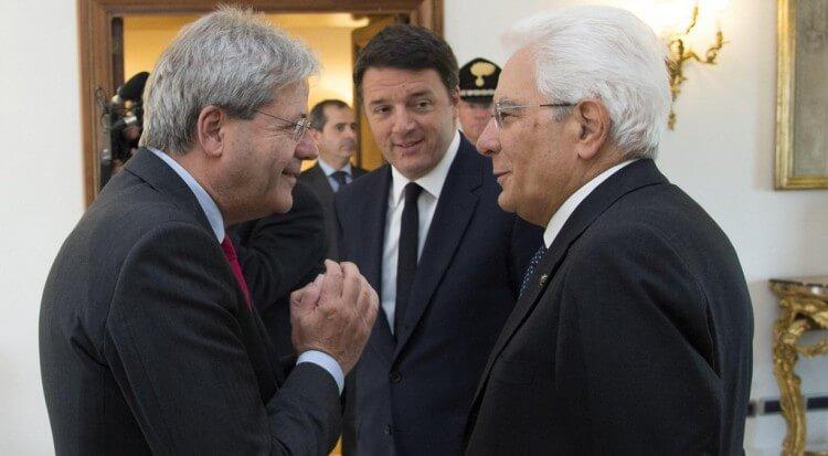 Paolo Gentiloni, Matteo Renzi e Sergio Mattarella. Tutti ex Dc che formeranno il nuovo Governo post-referendum