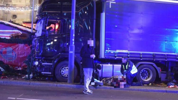 attentato berlino 19 12 2016 camion video foto terroristi (7)