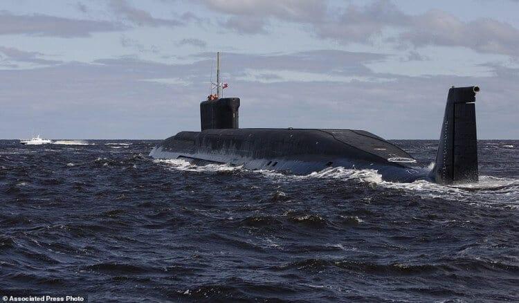 foto del Kazan 885M è stata scattata da Yuri Dolgoruky, durante i test nel mare di Arkhangelsk