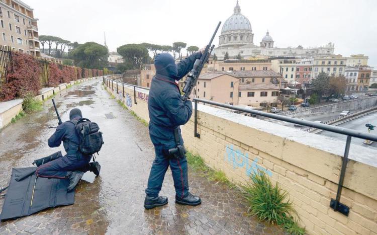 Agenti AISE a Roma